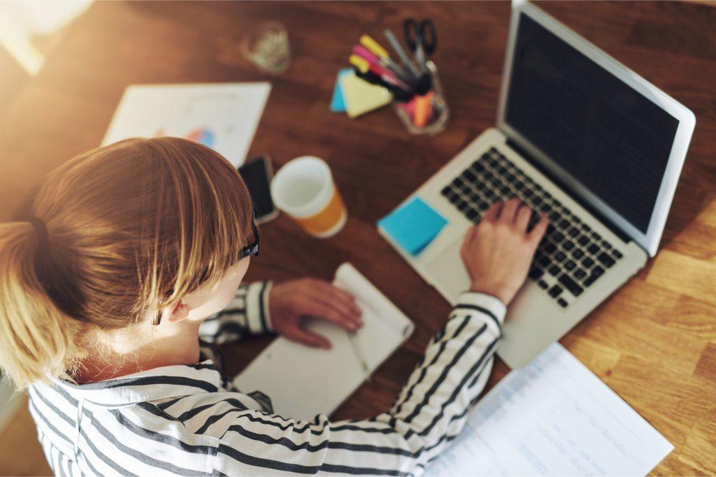 6 συμβουλές για να εργάζεστε από το σπίτι και να είστε παραγωγικοί