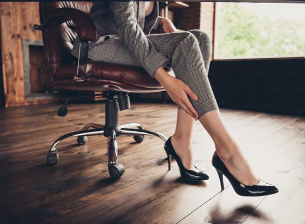 Τα ψηλοτάκουνα παπούτσια εχθρός ή φίλος των γυναικών;